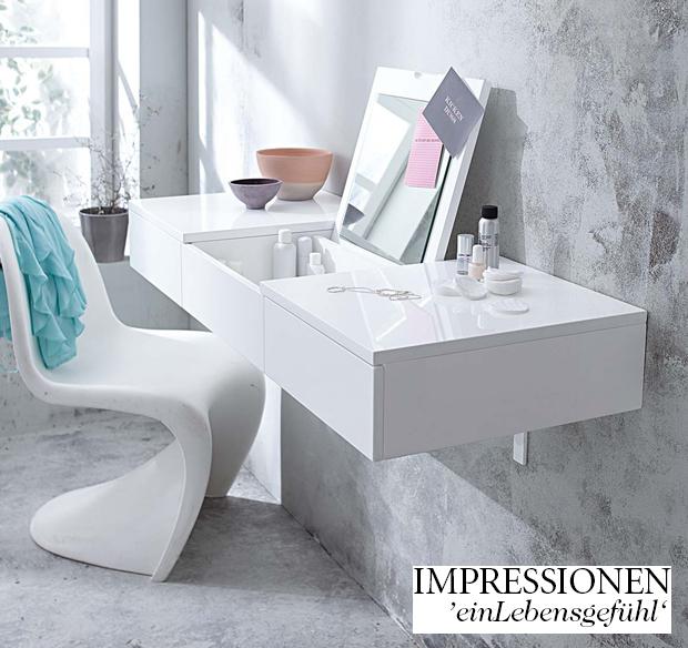 schmink und schreibtisch. Black Bedroom Furniture Sets. Home Design Ideas