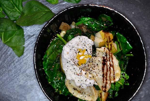 Spinat Ziegenkäse Salat